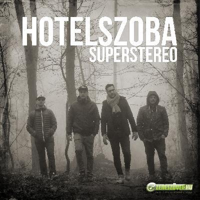 SuperStereo Hotelszoba