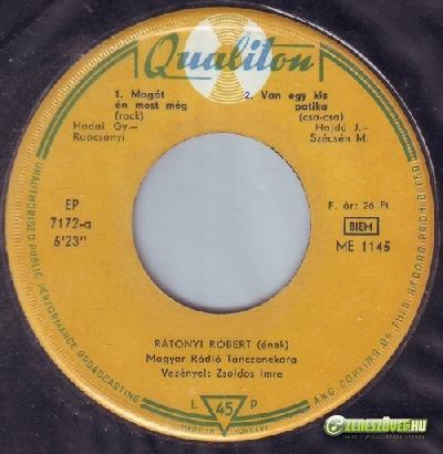 Rátonyi Róbert Rátonyi Róbert énekel
